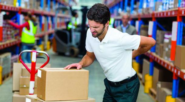 TMS gestes et posture ayez les bons gestes professionnels - visuel homme mal au dos