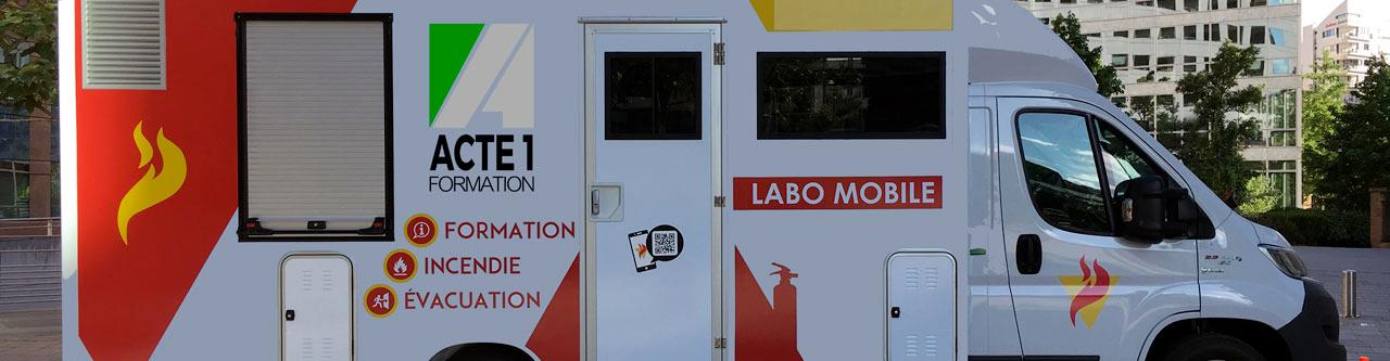 L'Unité Mobile de Formation Incendie est une salle de formation EPI